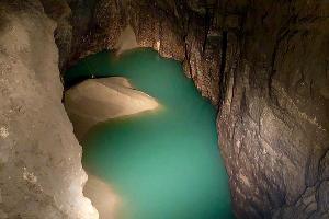 Озеро в Новоафонской пещере, Новый Афон, Абхазия ©Фото со страницы в инстаграме www.instagram.com/sa_dyachenko/