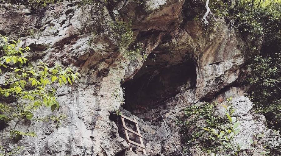 Пещера Святого Ипатия, Абхазия