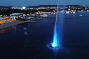 Светомузыкальный фонтан в Геленджике ©Фото пресс-службы отеля Приморье Grand Resort